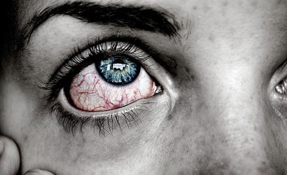 वो है अपने देखें हो मैने जैसे झूठे सपने